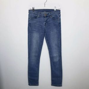 BDG Mid Rise Twig Light Wash Skinny Jeans Size 26